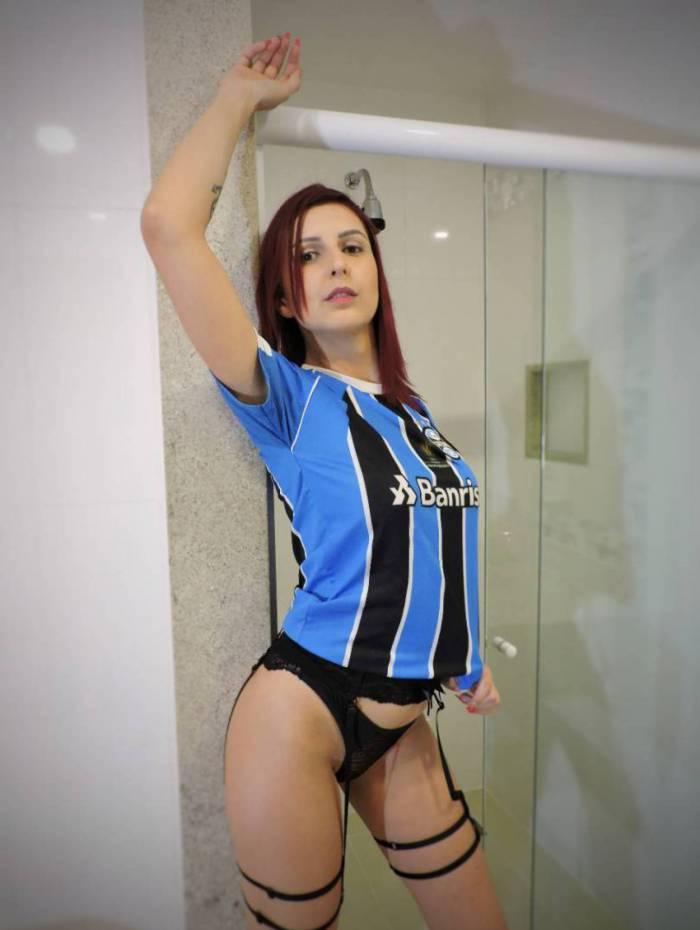 Cássia Rosa é torcedora do Grêmio — A Gata da Hora