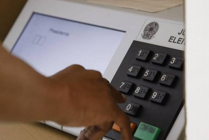 Eleições deste ano podem durar 1h a mais e ter horário reservado a idosos
