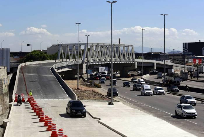 Prefeitura inaugura viaduto no Caju