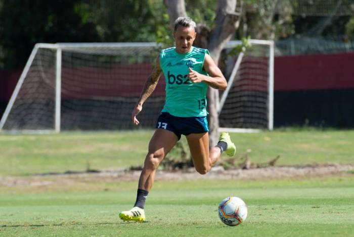 Rafinha se dedica à recuperação total após se machucar no Carioca