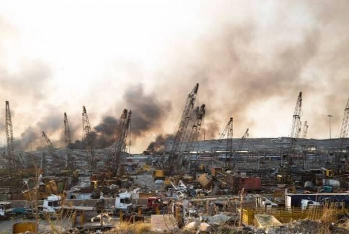 Presidente do Líbano sugere 'ataque de míssil ou bomba' na explosão