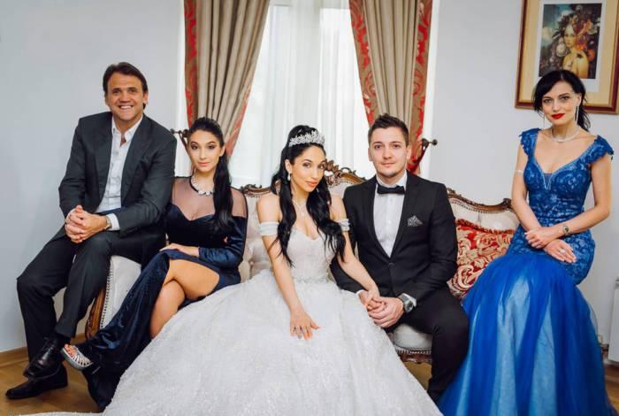 Petkovic casa a filha em cerimônia digna de conto de fadas na Sérvia