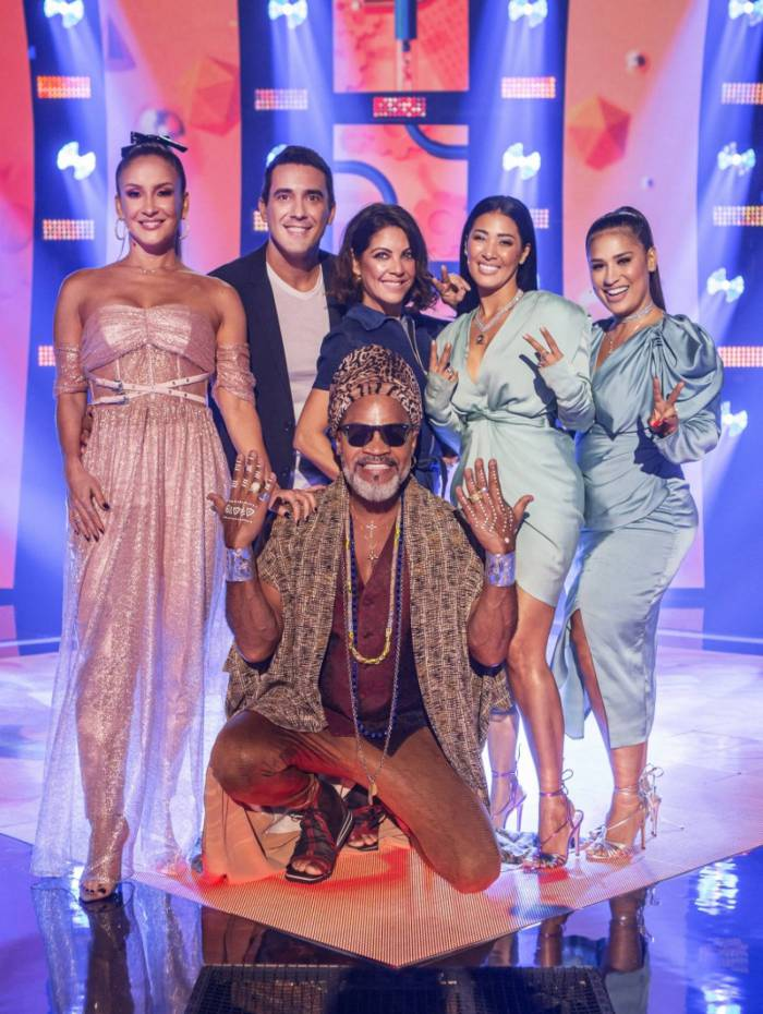 Time The Voice Kids - Os apresentadores André Marques e Thalita Rebouças com os técnicos Claudia Leitte, Simone & Simaria e Carlinhos Brown