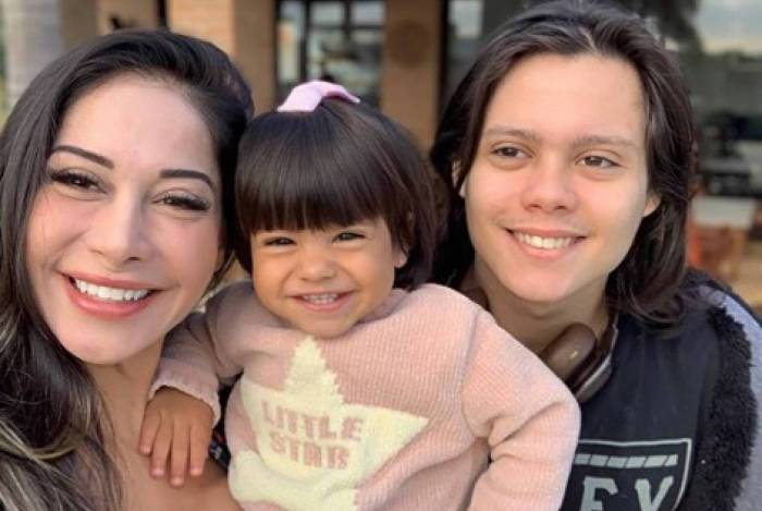 Mayra Cardi e os filhos