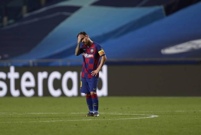 Messi tem o desejo de deixar o Barcelona, mas clube entende que o meia só poderá fazer isso se pagar sua multa