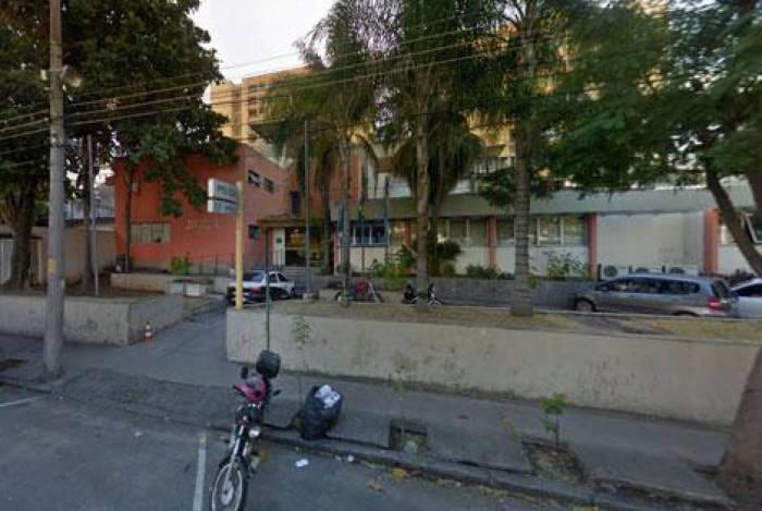 Policiais da 20ª DP (Vila Isabel) prendem um homem apontado como integrante da maior quadrilha de roubadores de carro da Grande Tijuca, na zona Norte do Rio