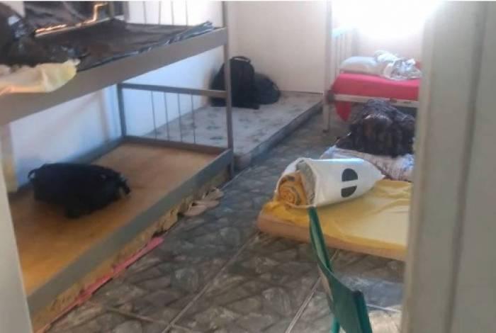Denúncia aponta condições inadequadas de alojamento na UPP do Borel, na Tijuca