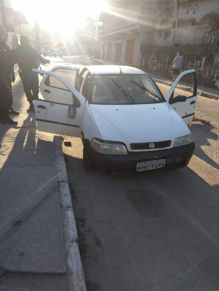 Criminosos estavam em um Fiat Palio no momento da abordagem