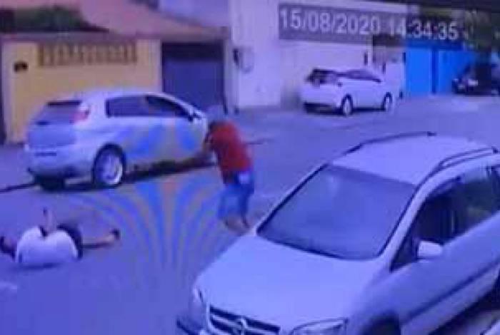 Sílvio Pacheco Fontes caiu no chão quando foi alvo dos tiros
