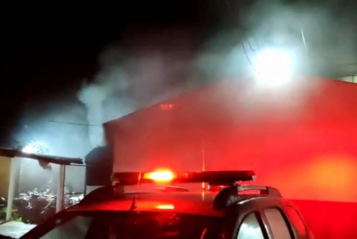Detentos atearam fogo dentro da cadeia