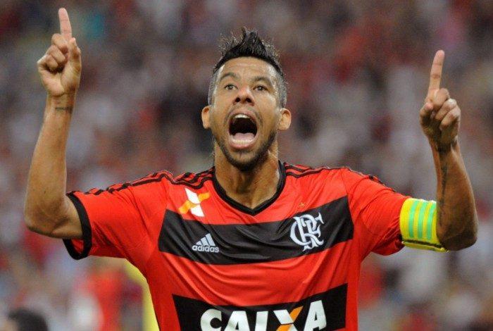 Léo Moura defendeu o Flamengo por dez anos, de 2005 a 2015