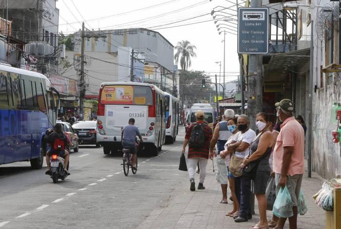 Passageiros, sobretudo na Zona Oeste, reclamam do sumiço de algumas linhas de ônibus nas ruas do Rio