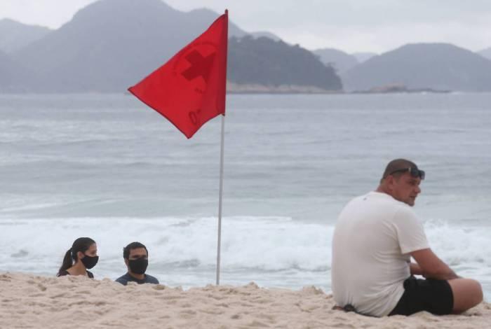 Movimentação na praia de Copacabana