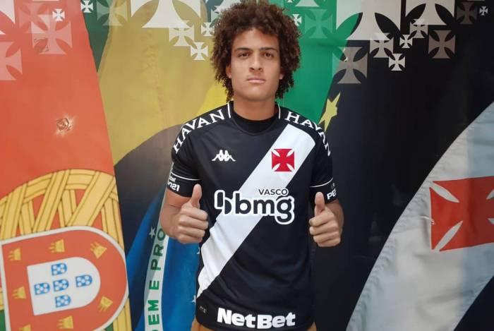 O lateral-esquerdo Neto Borges chega emprestado pelo Genk, da Bélgica