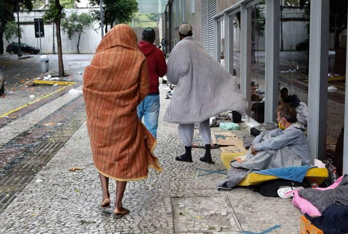 Marquise na Rua do Senado: o abrigo para os que não têm casa