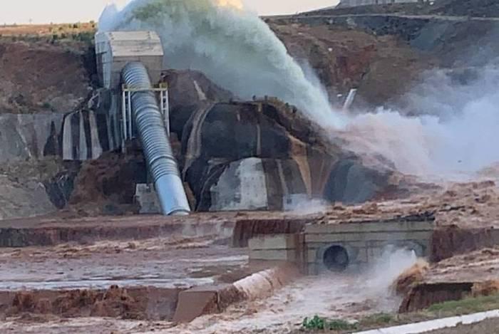 Tubulação da barragem do Jati rompeu após a abertura da comporta