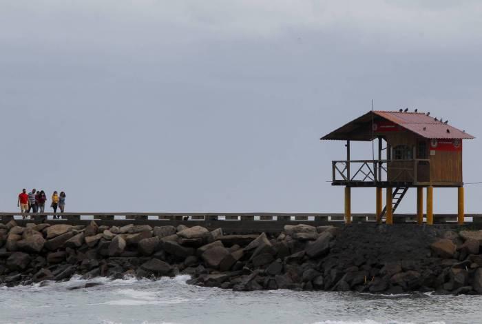 Rio de Janeiro 22/08/2020 - CLIMA TEMPO - Tempo fechado na Barra daTijuca e temperatura baixa. Foto: Luciano Belford/Agencia O Dia