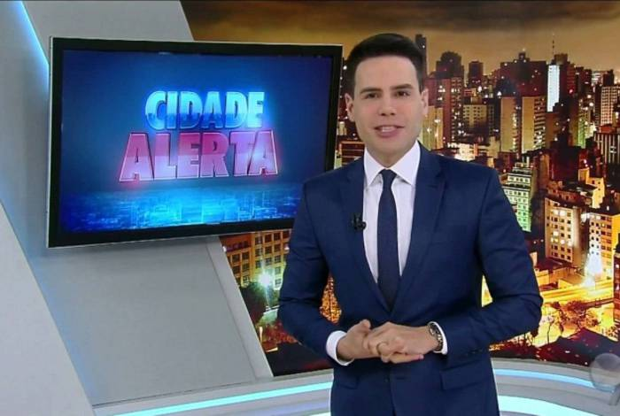 Luiz Bacci comanda o 'Cidade Alerta' em São Paulo, um dos carros-chefe da programação da Record