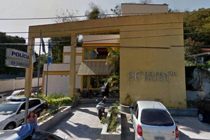 O criminoso foi preso por policiais da 96ª DP (Miguel Pereira) e responderá pelos crimes