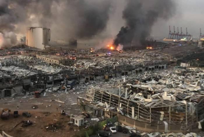 Beirute retira escombros com peso equivalente ao da Torre Eiffel