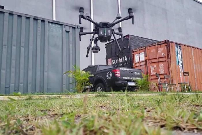 Drone 'Predador I' é utilizado pelo Grupamento Aeromóvel (GAM) em monitoramento aéreo da Cidade de Deus durante operação nesta quarta-feira