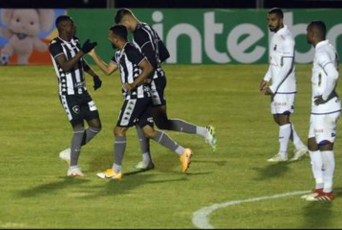 Benevenuto marcou o primeiro do Botafogo