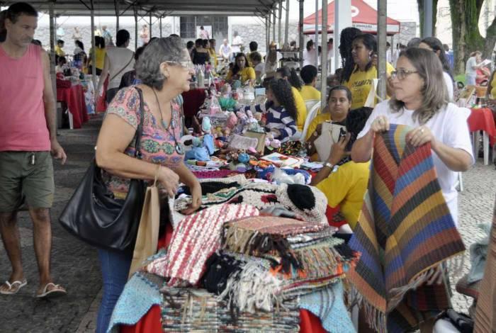 Feiras de artesanato da economia solidária reabrem no Rio