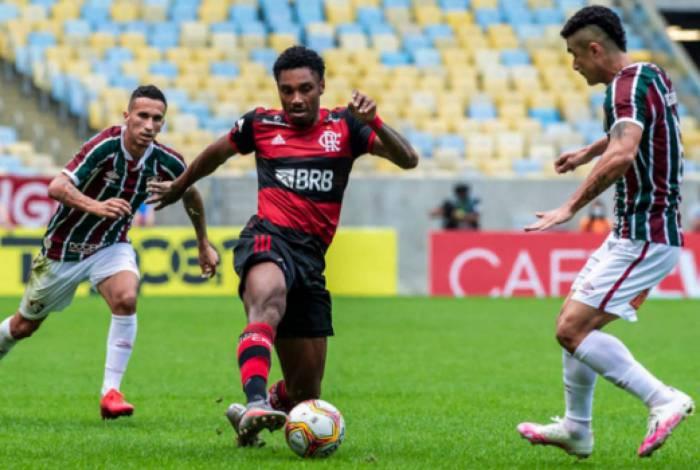 Vitinho chegou ao seu centésimo jogo pelo Rubro-negro e deve receber camisa comemorativa em breve