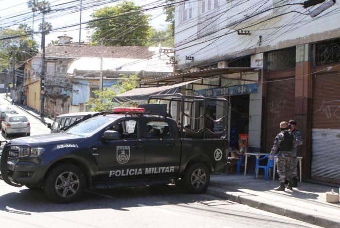 Policiais reforçam policiamento na região do Complexo do São Carlos
