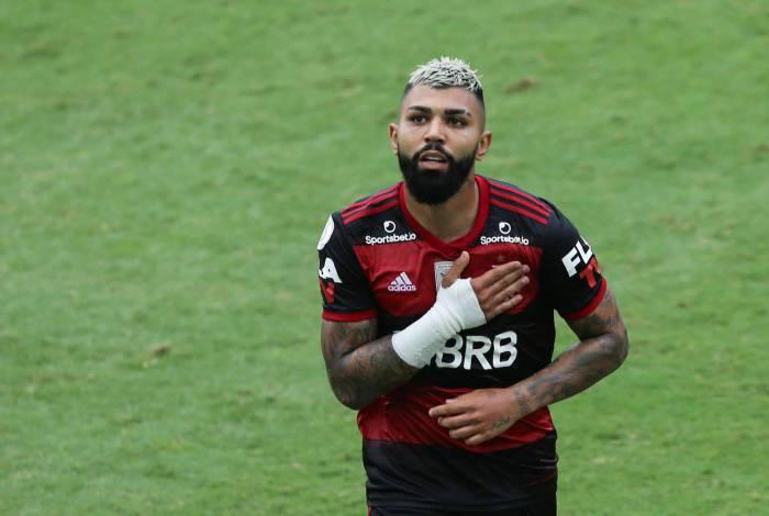 O jogador Gabigol durante a partida entre Santos e Flamengo, válida pelo Campeonato Brasileiro da Série A, na Vila Belmiro, em Santos (SP), neste domingo (30).