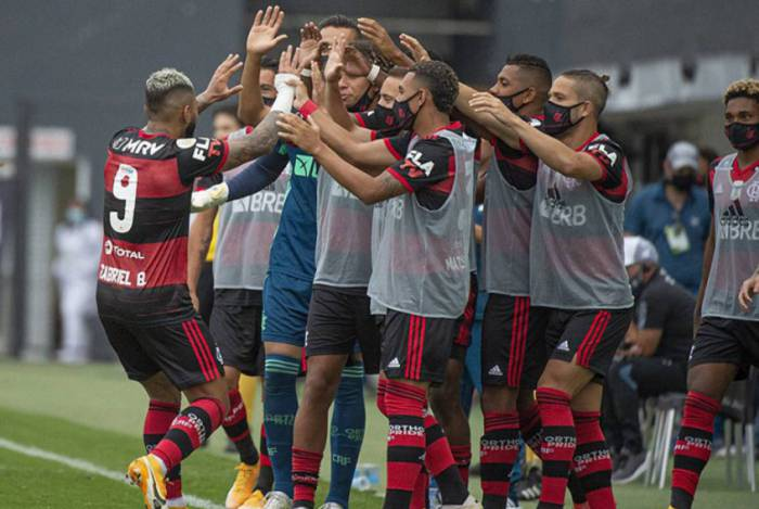 Gabigol, autor da vitória diante do Santos, está fora da partida contra o Bahia