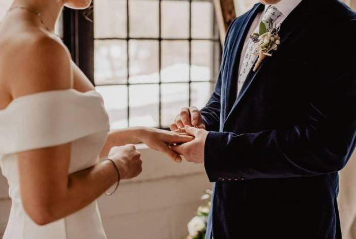 Noiva expõe traição do parceiro no dia do casamento