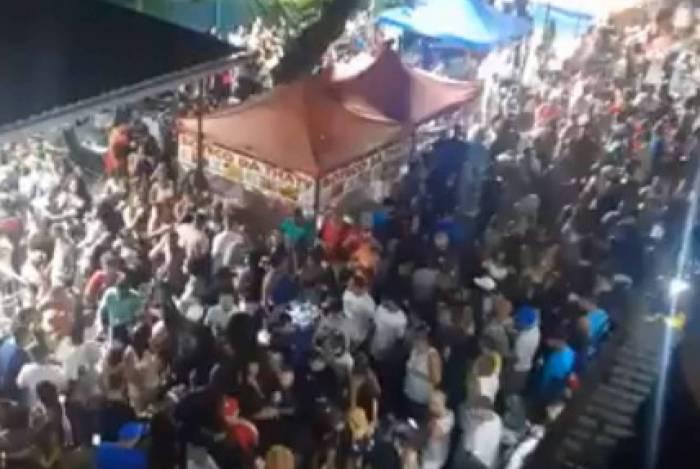 Baile funk na Mangueirinha, em Duque de Caxias