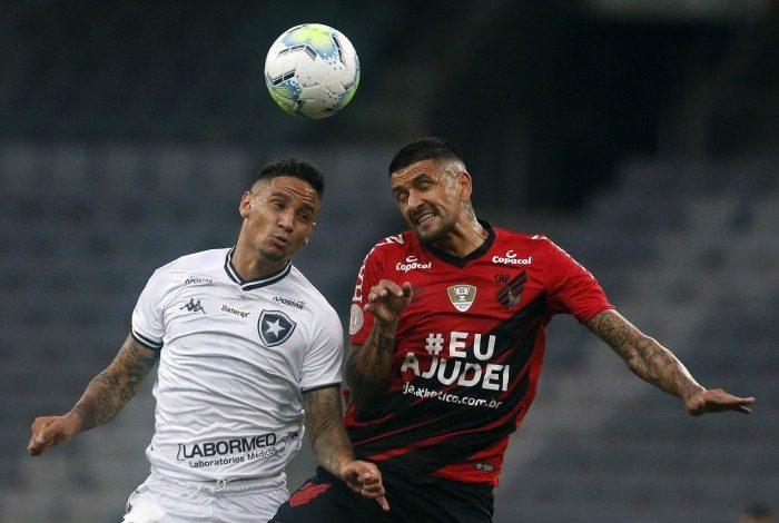 Luiz Otavio: volante teve atuação discreta