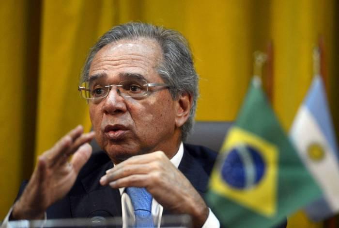 """""""Quando você dá um choque digital, a taxa de reposição cai bastante"""", defende Paulo Guedes"""
