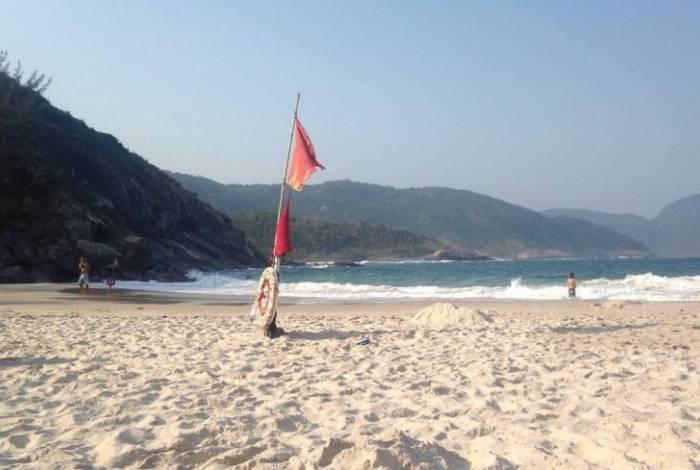Jovem desapareceu após mergulhar na Praia do Perigoso, na Zona Oeste