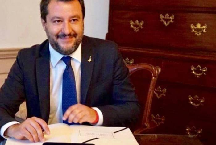 Senador Matteo Salvini da Itália