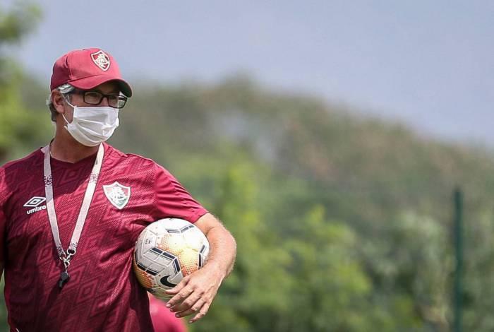 Odair Hellmann comanda treinamento no CT. Técnico deve usar Marcos Paulo no ataque