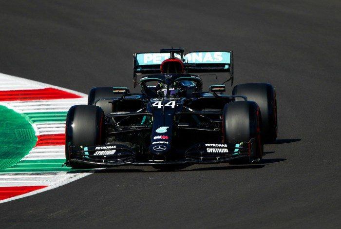 Hamilton foi cirúrgico na etapa final do treino de classificação