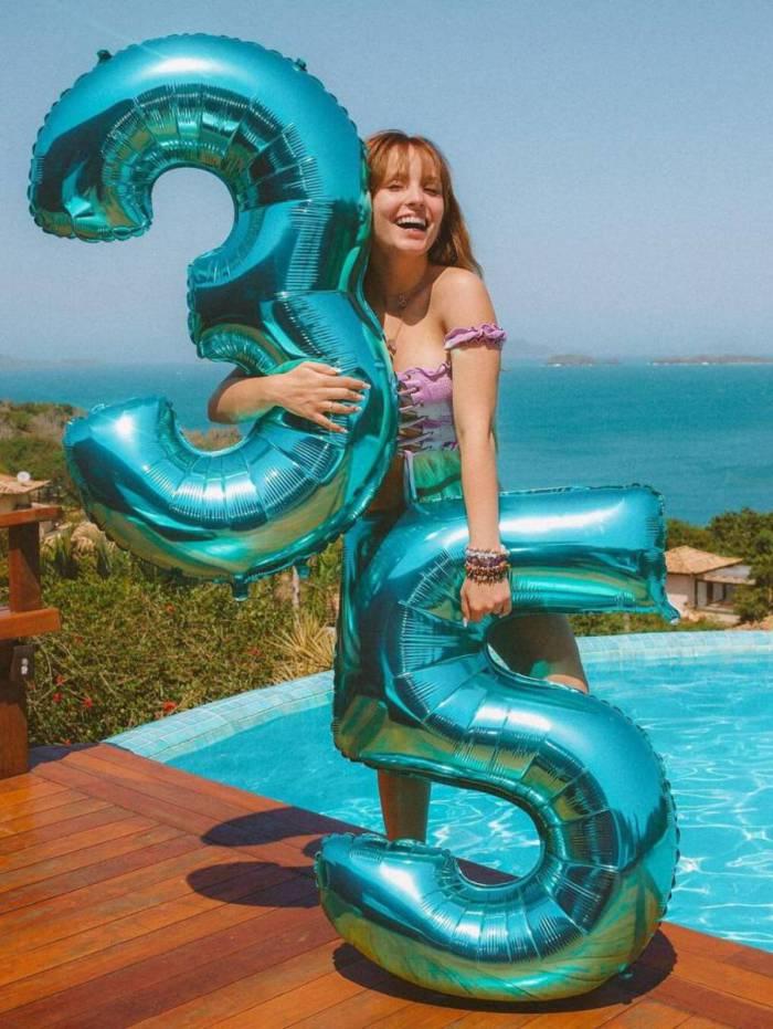 larissa manoela comemora 35 milhões de seguidores