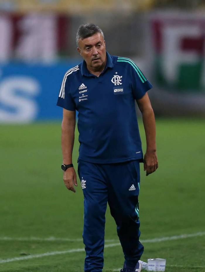 Série de jogos no Rio vai permitir a Domènec Torrent fazer o seu habitual rodízio no Flamengo