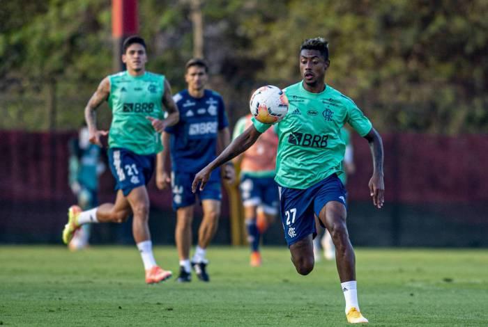 Recuperado de lesão, Bruno Henrique volta ao time em Quito