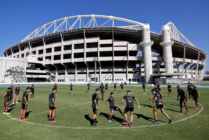 Jogadores do Botafogo têm dois meses de salários atrasados