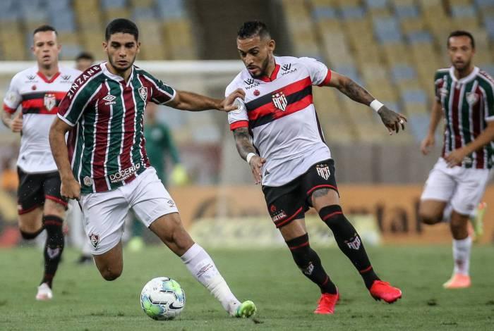 O uruguaio Michel Araújo teve atuação muito apagada no jogo de ontem