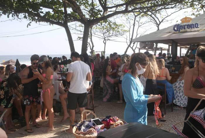 No último final de semana, banhistas lotaram a Praia do  Pepe, Barra da Tijuca