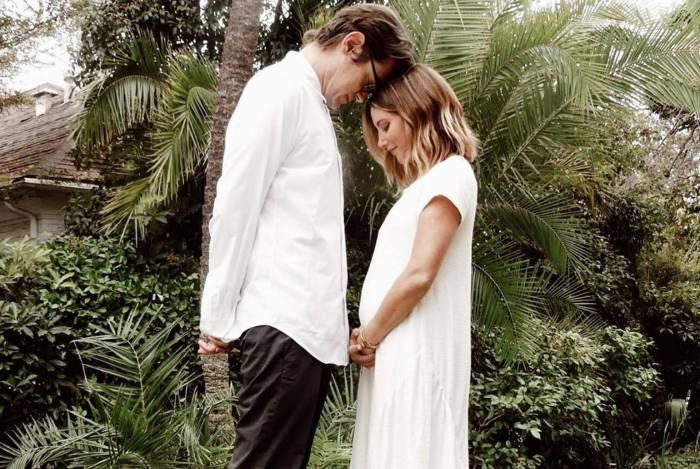 Ashley Tisdale anuncia que está grávida do primeiro filho