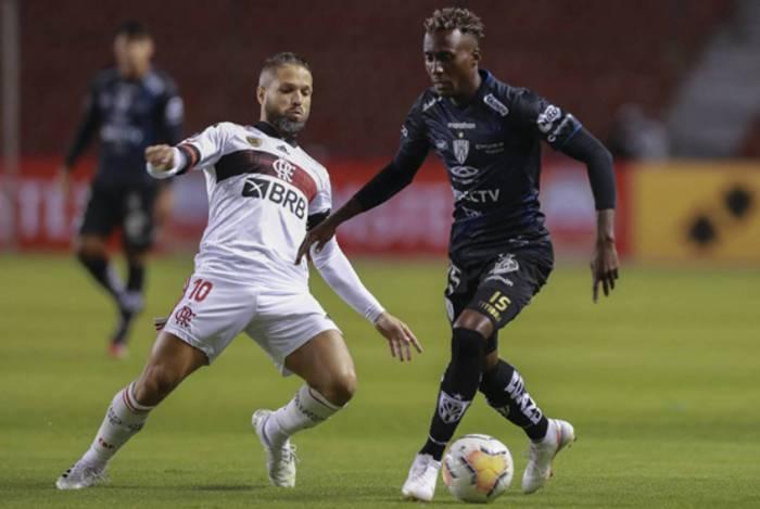Flamengo teve atuação abaixo da crítica na partida contra o Del Valle
