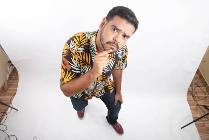 Cezar Maracujá é o convidado da 2 edição do Teatro Drive In, em Duque de Caxias
