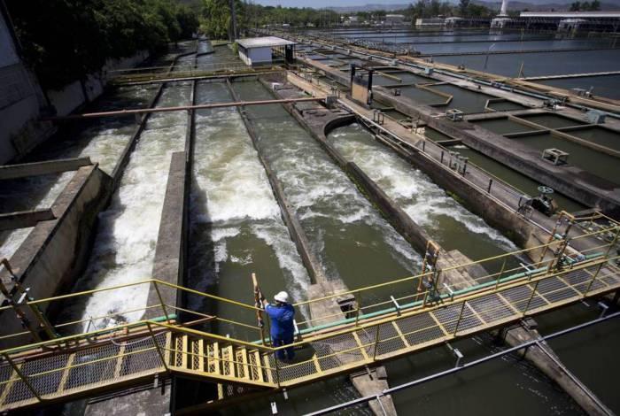 Neste sábado (6), a Cedae realizou a manutenção da ETA Guandu após registrar que a lagoa onde ocorre a captação começou a ter um grande crescimento na quantidade de algas