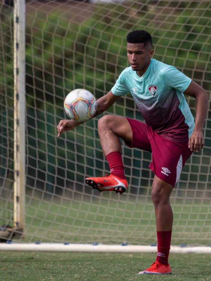 Marcos Paulo é um dos jogadores com Covid